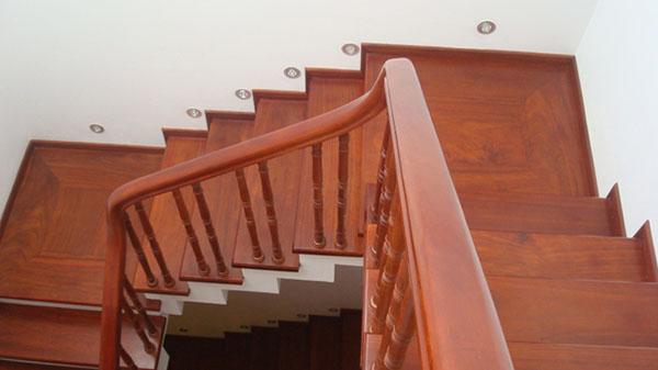 cách làm cầu thang gỗ aeros
